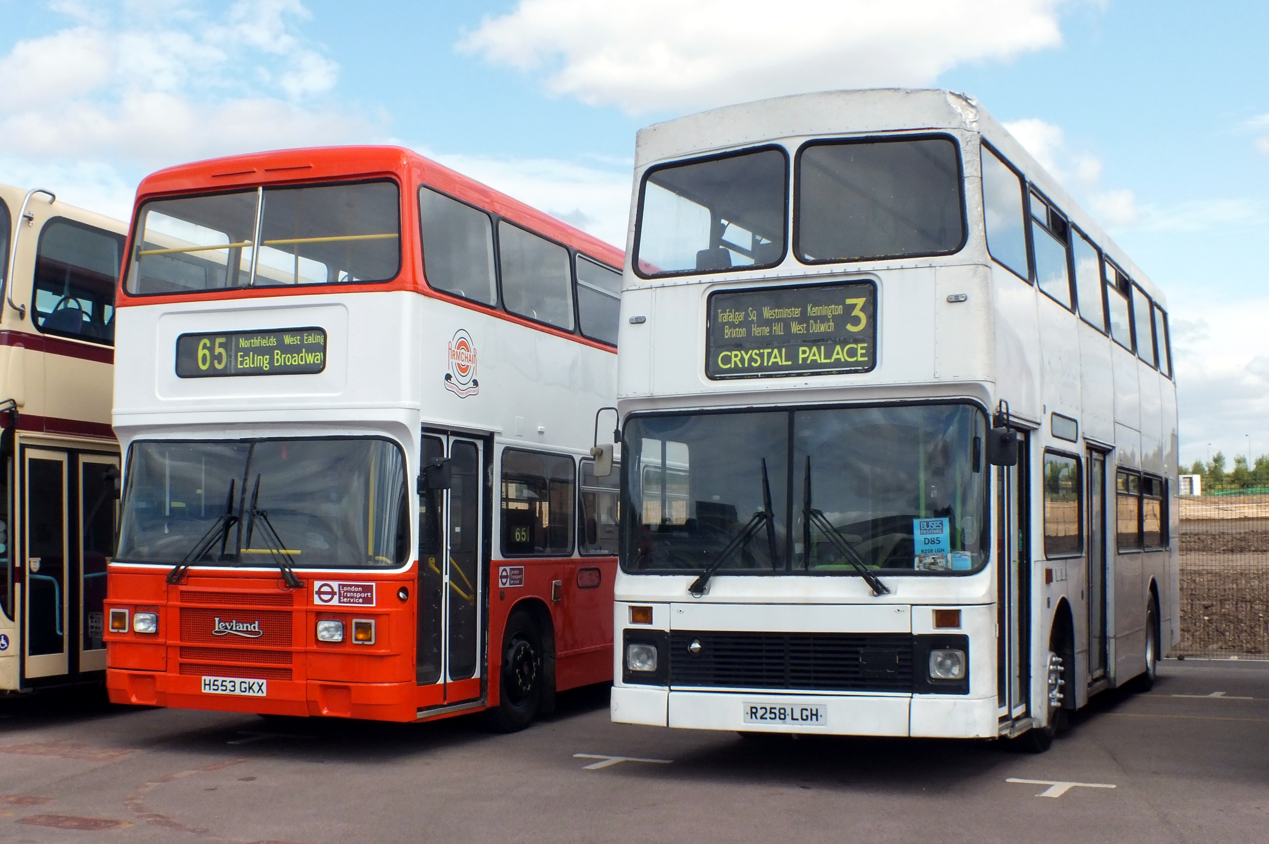 20 August 2017 Gaydon Museum Bus Rally 056.jpg