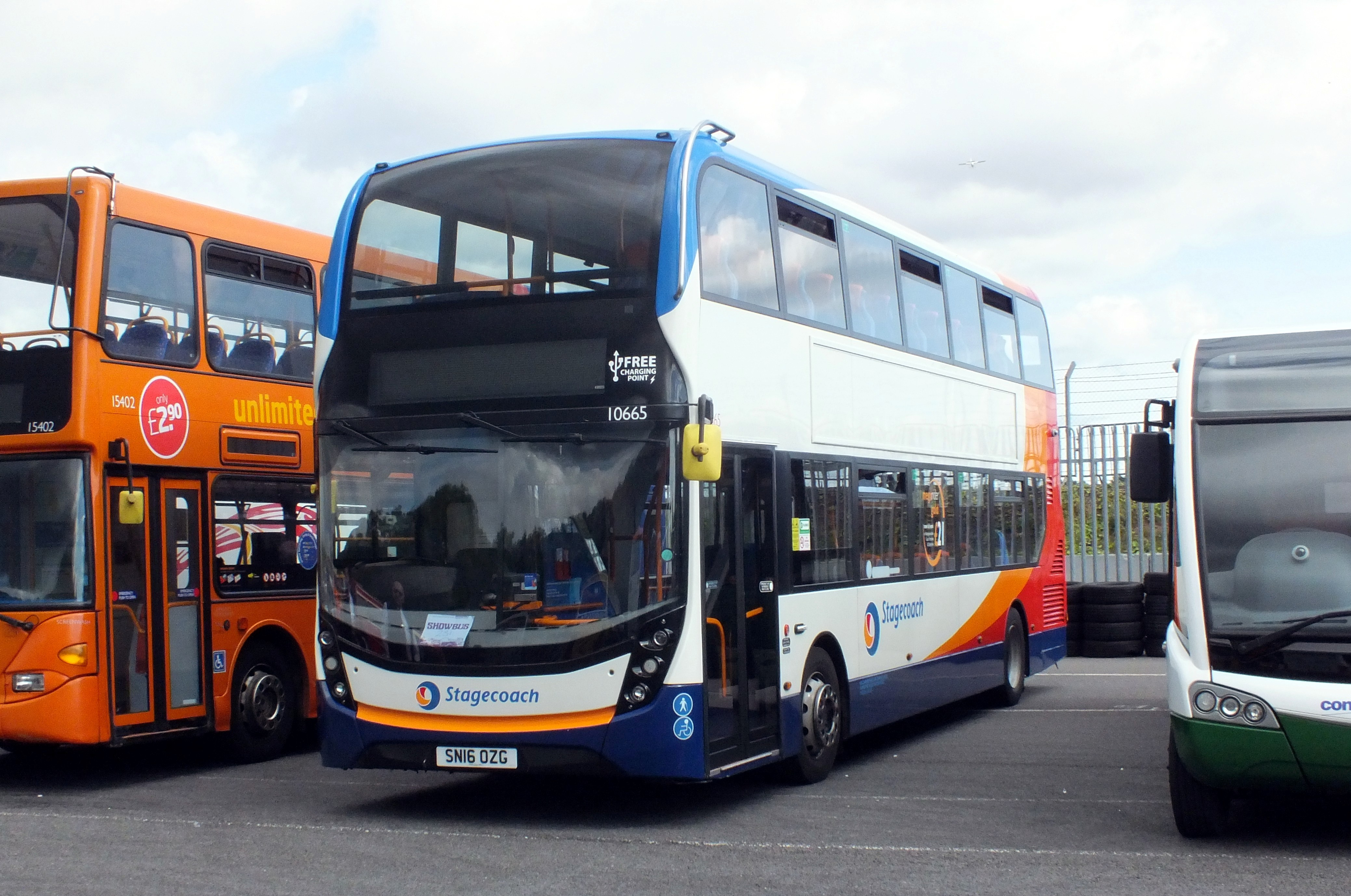 17 September 2017 Showbus, Donington. 474.jpg